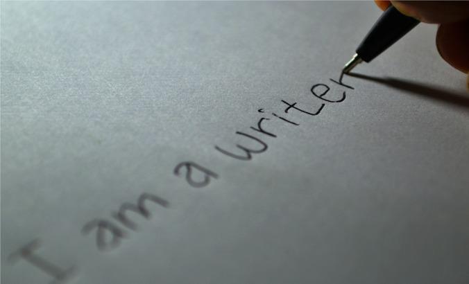 I am a writer-605764_1920