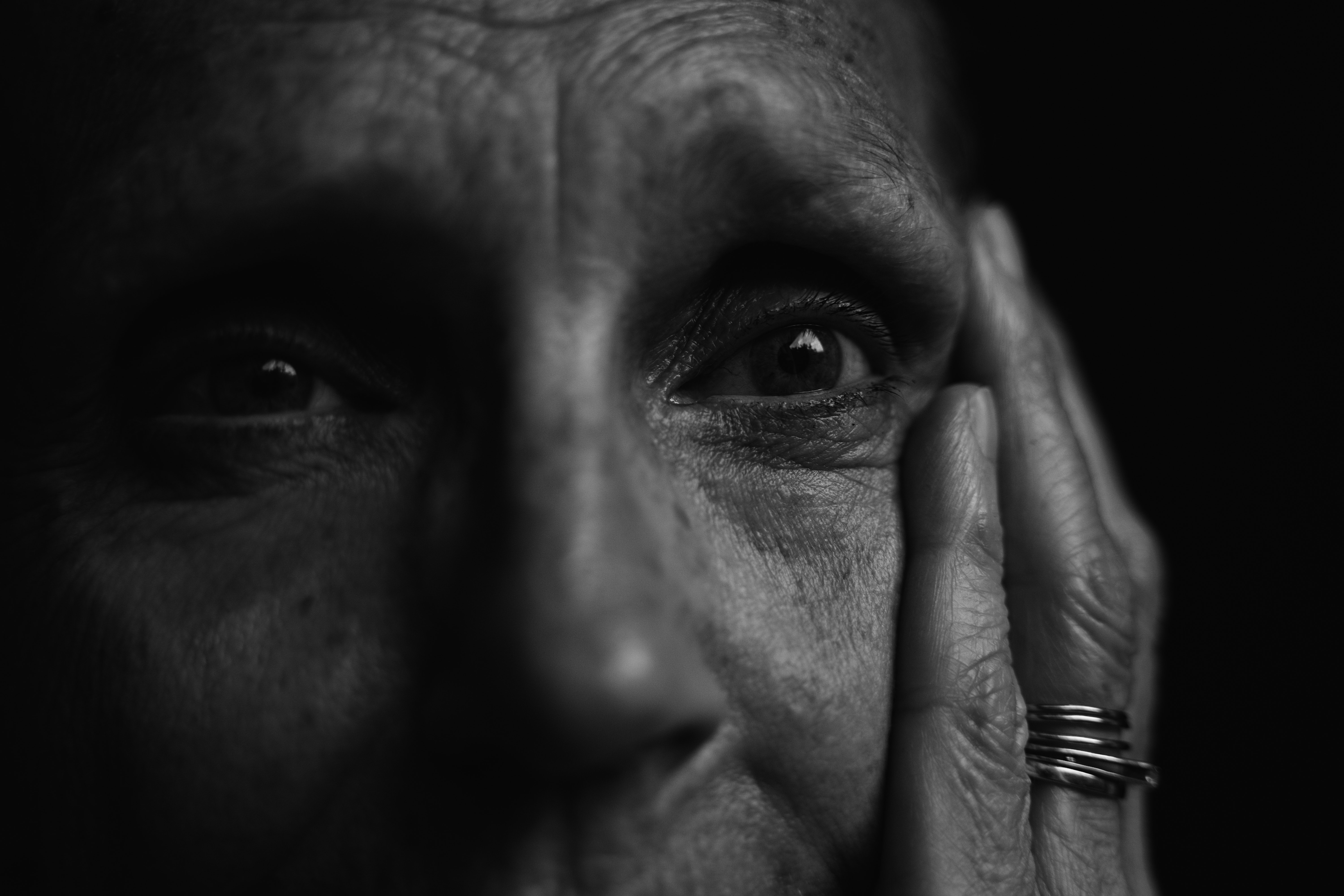 monochrome-photo-of-old-person-by Matej